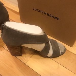 Brand New Lucky Brand Sandals - Size 10M